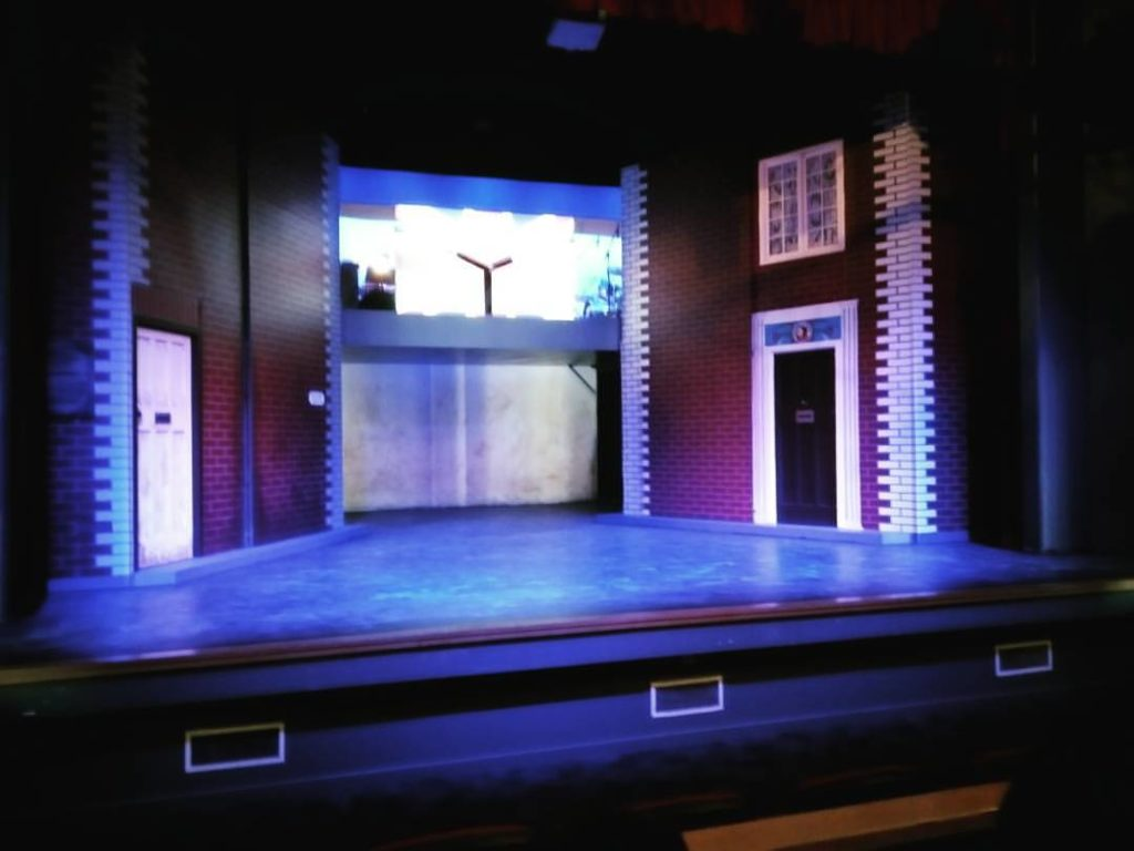 The Blood Brothers set before the show